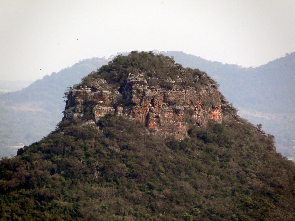 Cerro_Mbatovy